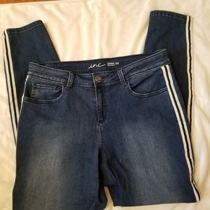 Inc Jean's with white side panel trim size 12